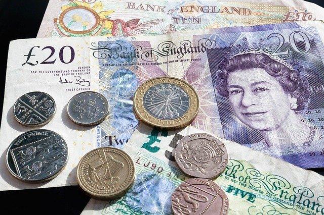 libra bankovky a mince