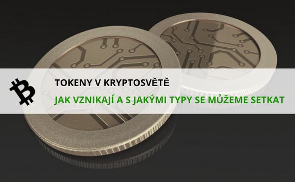 název článku v popředí a mince kryptoměny v pozadí
